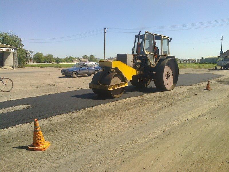 Под Мариуполем дорожники никак не могут преступить к ремонту трассы в Новоазовск (фото) - фото 1
