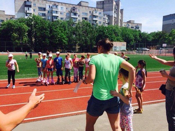 В Ильичевске прошли соревнования по бегу на роликовых коньках среди школьников (фото) - фото 2