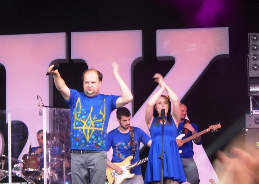 """На концерті гурту """"Тік"""" франківці присвятили пісню Путіну (ФОТО) (фото) - фото 1"""