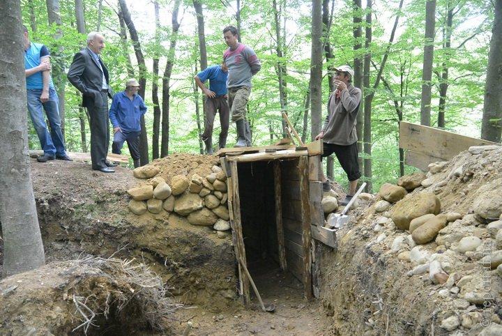 На Франківщині відкопали бідон з документами повстанців (ФОТО), фото-2