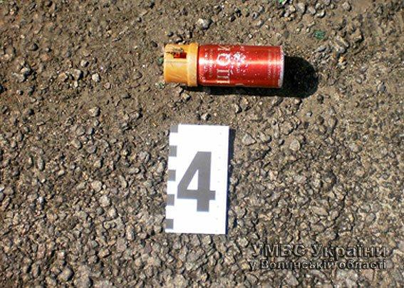 Розбійний напад у Луцьку: одного зловмисника затримали, іншого -розшукують (ФОТО, ВІДЕО) (фото) - фото 1