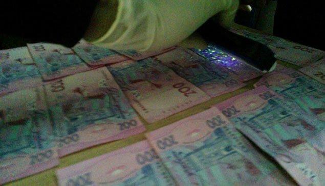 На Тернопільщині затримали працівника управління юстиції, який отримав  44 тисячі грн. хабара (фото) (фото) - фото 2