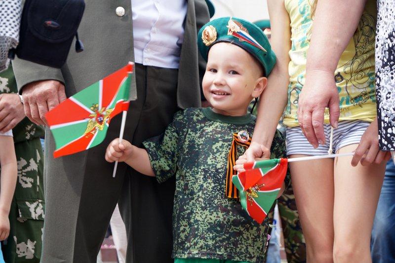 Белгородские пограничники устроили праздник в парке Победы (фото) - фото 1