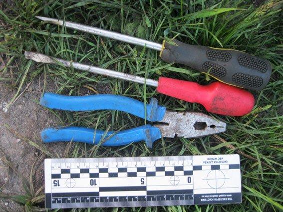 На станції Рясне-2 затримали львів'янина, який крав деталі із залізниці (ФОТО) (фото) - фото 3