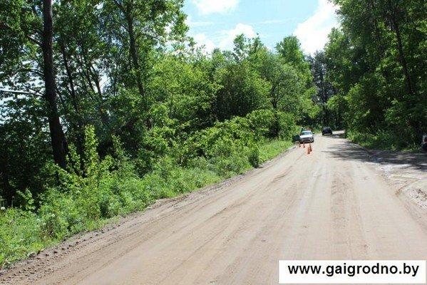 Возле Коробчиц дачник обнаружил в кювете автомобиль с бездыханным телом и работавшим двигателем (фото) - фото 3