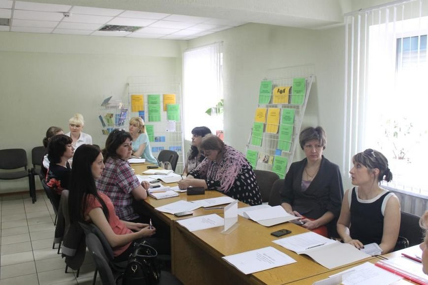 В городском центре занятости г. Доброполья состоялся круглый стол с участием специалистов ЦЗ и психологов школ города и района, фото-5