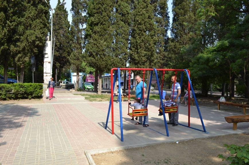 Строительная компания «Строй-Групп» в Ялте по улице Кирова обустроила детскую площадку, фото-5