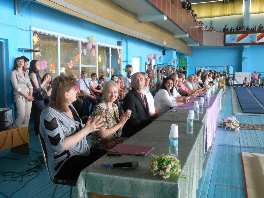 В Днепродзержинске состоялся выпускной спортсменов ДЮСШ (фото) - фото 3