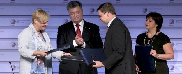 Президент Порошенко оценил работу Национального банка Украины, фото-1