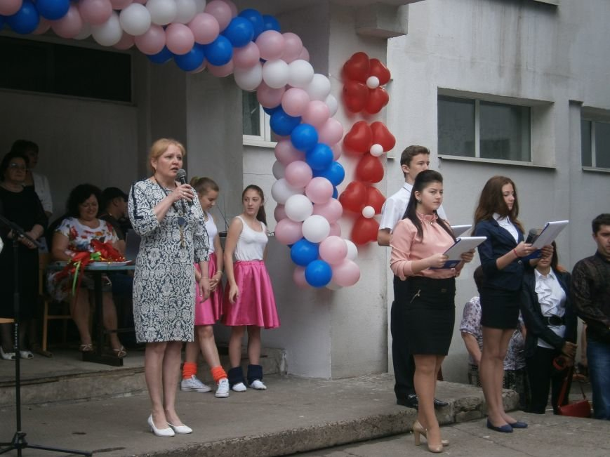 Для школьников Красноармейска и Димитрова прозвенел последний звонок (ОБНОВЛЯЕТСЯ) (фото) - фото 39