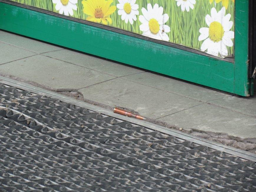 Мариупольский ТЦ «Обжора» оцеплен людьми с оружием (ОБНОВЛЕНО,ФОТО), фото-9