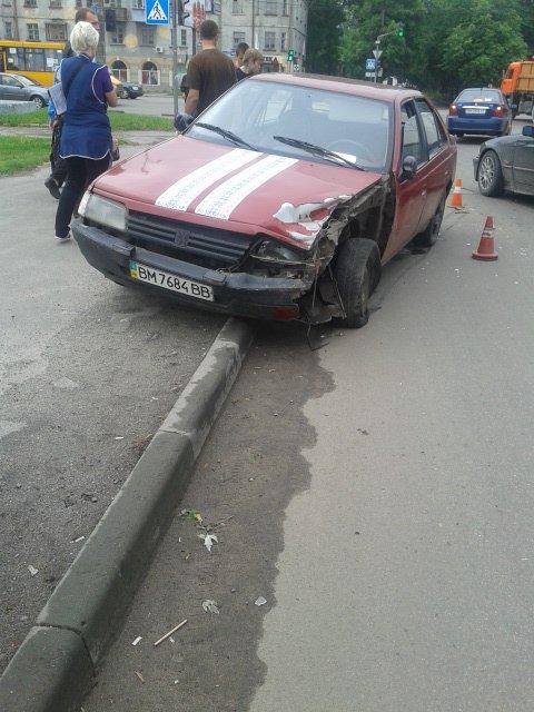 В Сумах столкнулись два автомобиля (ФОТО), фото-4