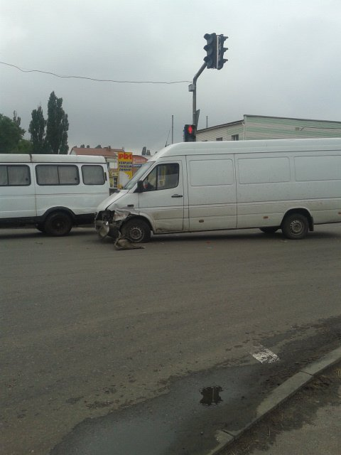 В Сумах столкнулись два автомобиля (ФОТО), фото-2