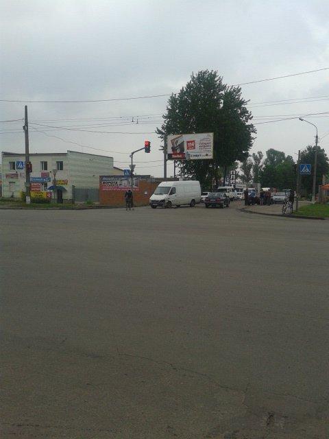 В Сумах столкнулись два автомобиля (ФОТО), фото-1