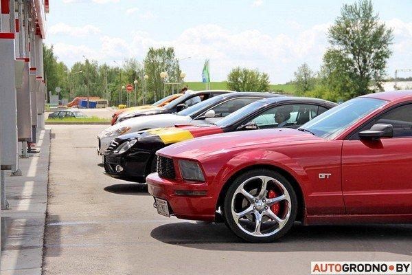 Фоторепортаж: самые редкие и мощные автомобили Гродно собрали в одном месте для съемок ролика (фото) - фото 24