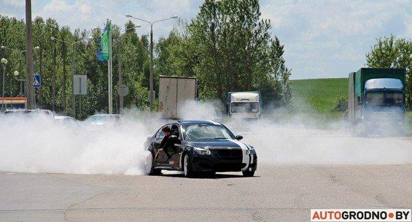 Фоторепортаж: самые редкие и мощные автомобили Гродно собрали в одном месте для съемок ролика (фото) - фото 15
