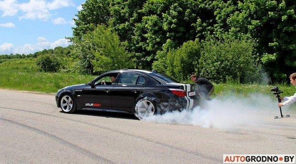 Фоторепортаж: самые редкие и мощные автомобили Гродно собрали в одном месте для съемок ролика (фото) - фото 13