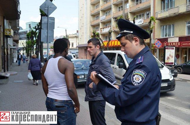 В Івано-Франківську у іноземного студента вкрали 4500 доларів, фото-4