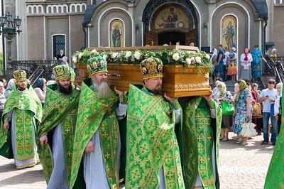 В Свято-Георгиевском соборе торжественно отметили память обретения мощей Илии Макеевского (фото) - фото 1