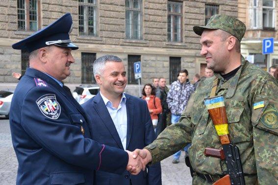 Львівські правоохоронці повернулись із зони АТО (ФОТОРЕПОРТАЖ) (фото) - фото 6