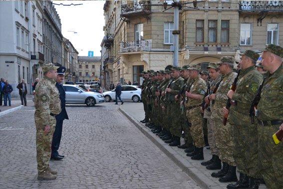 Львівські правоохоронці повернулись із зони АТО (ФОТОРЕПОРТАЖ) (фото) - фото 2