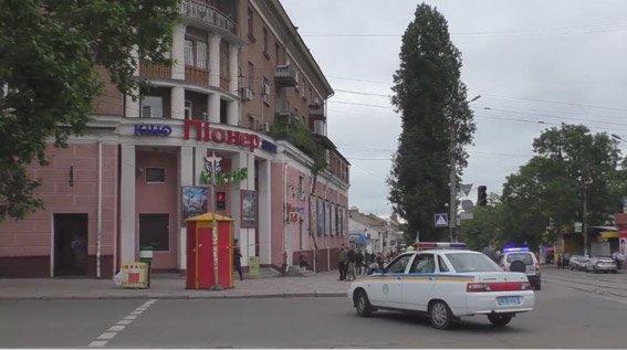 В николаевском троллейбусе милиция искала взрывчатку (ФОТО) (фото) - фото 3
