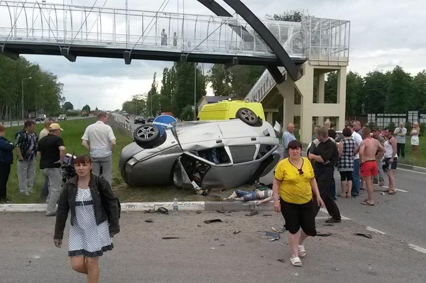 В Белгородской области столкнулись легковушка и мотоцикл, есть погибшие (фото) - фото 2