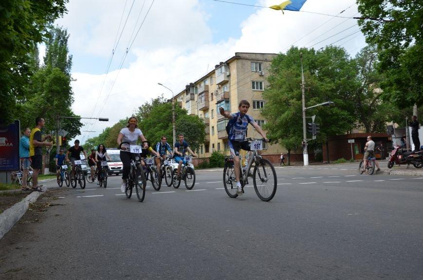 В Мариуполе велосипедисты создали живой флаг Украины (ФОТОРЕПОРТАЖ), фото-58