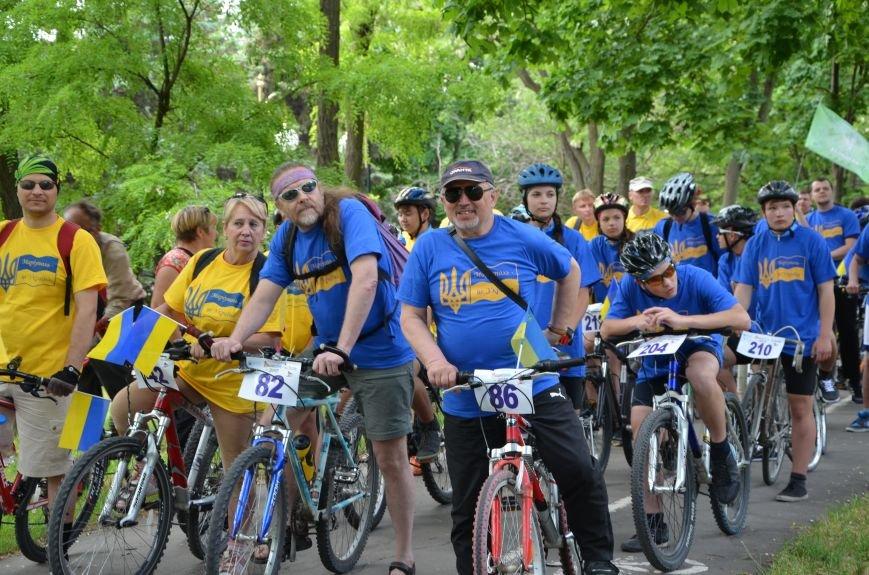 В Мариуполе велосипедисты создали живой флаг Украины (ФОТОРЕПОРТАЖ), фото-27