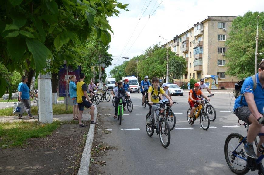 В Мариуполе велосипедисты создали живой флаг Украины (ФОТОРЕПОРТАЖ), фото-68