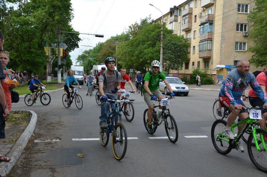 В Мариуполе велосипедисты создали живой флаг Украины (ФОТОРЕПОРТАЖ), фото-48