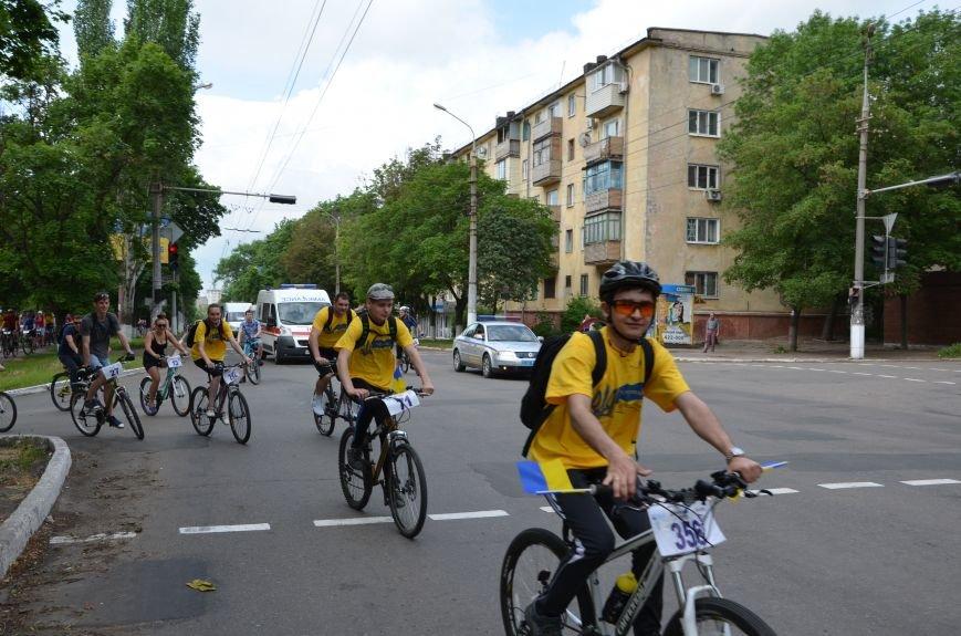В Мариуполе велосипедисты создали живой флаг Украины (ФОТОРЕПОРТАЖ), фото-44