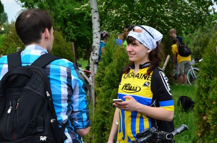 В Мариуполе велосипедисты создали живой флаг Украины (ФОТОРЕПОРТАЖ), фото-13