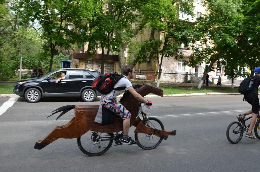 В Мариуполе велосипедисты создали живой флаг Украины (ФОТОРЕПОРТАЖ), фото-67