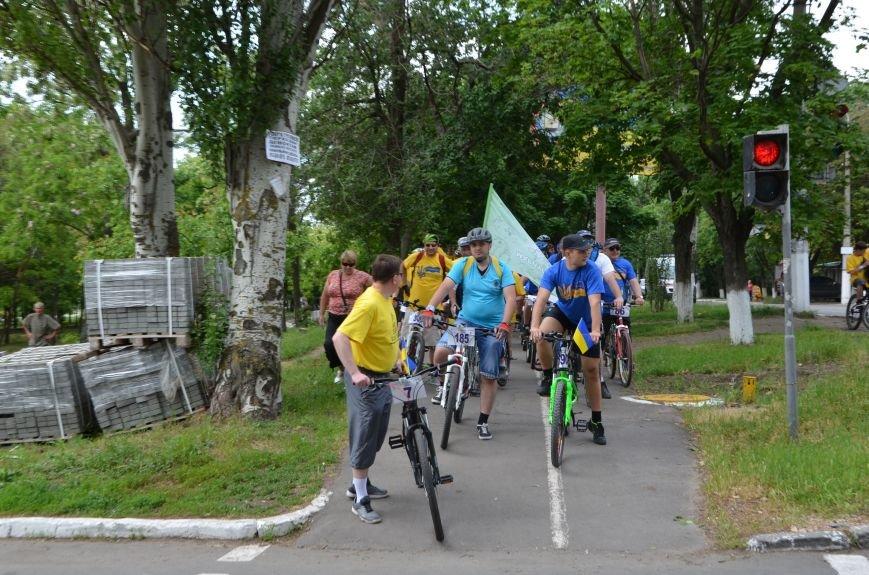 В Мариуполе велосипедисты создали живой флаг Украины (ФОТОРЕПОРТАЖ), фото-31
