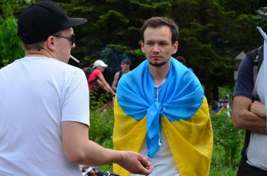 В Мариуполе велосипедисты создали живой флаг Украины (ФОТОРЕПОРТАЖ), фото-17