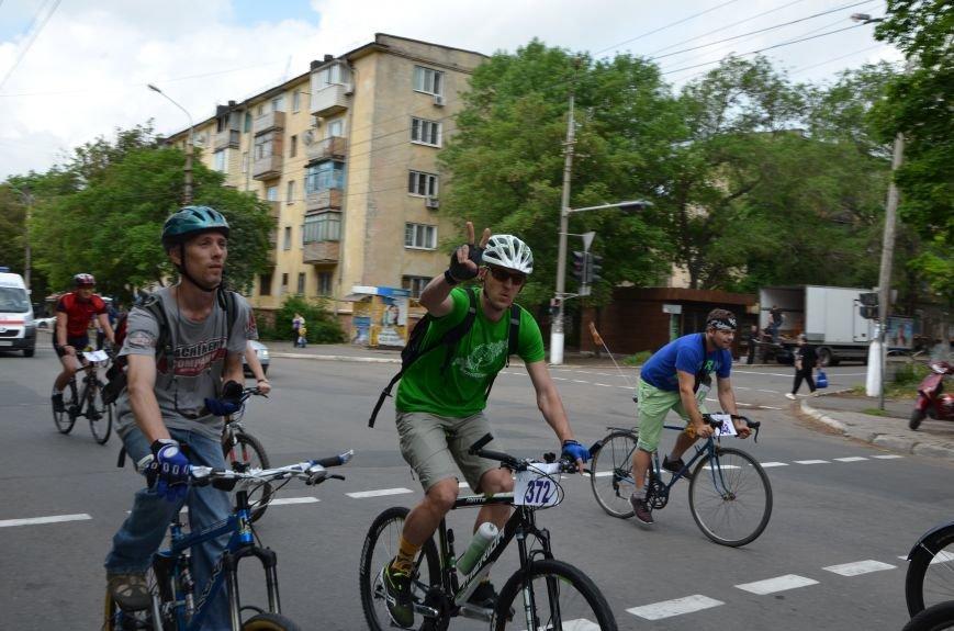 В Мариуполе велосипедисты создали живой флаг Украины (ФОТОРЕПОРТАЖ), фото-49