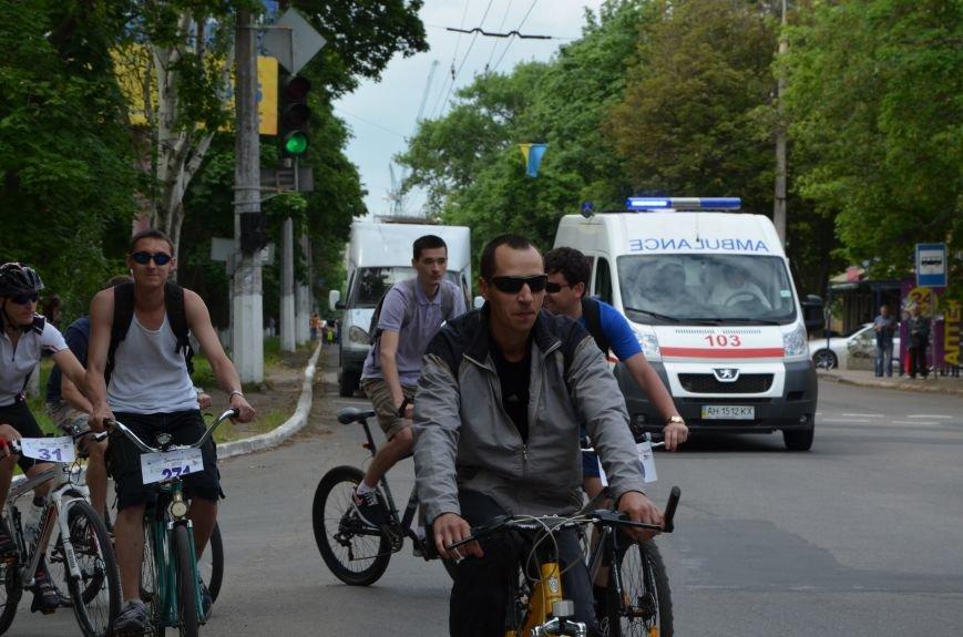 В Мариуполе велосипедисты создали живой флаг Украины (ФОТОРЕПОРТАЖ), фото-51