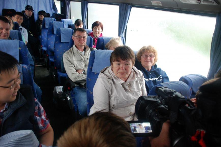 В Симферополь прибыл первый чартерный рейс из Екатеринбурга. Туристов лично встретила министр курортов Крыма (ФОТО), фото-4