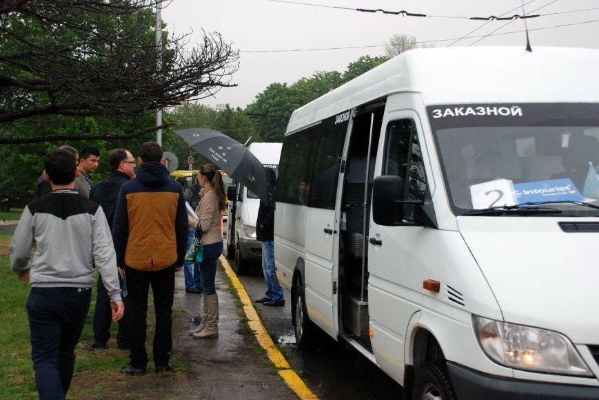 В Симферополь прибыл первый чартерный рейс из Екатеринбурга. Туристов лично встретила министр курортов Крыма (ФОТО), фото-3