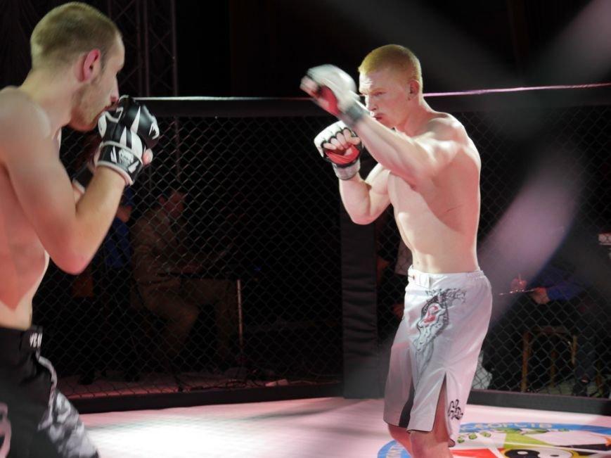 У Тернополі провели турнір з фрі-файту «Битва за честь–2» (фоторепортаж) (фото) - фото 1