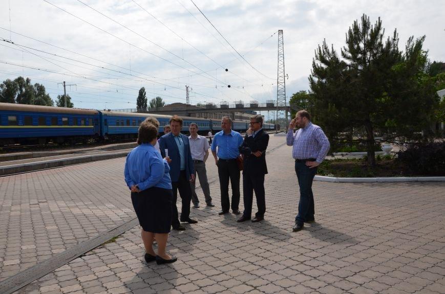 В Мариуполе нардеп Тарута проверил железнодорожный вокзал (ФОТО), фото-15