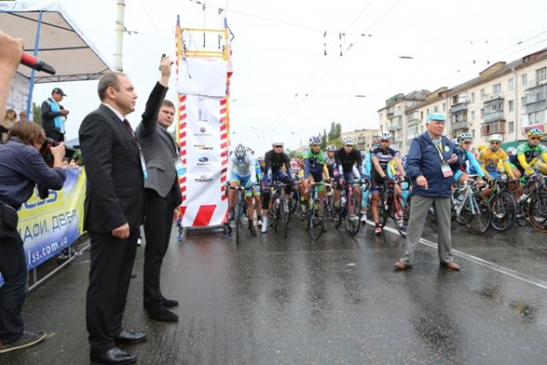 Микола Даневич відкрив велогонку заради миру – Horizon Park Race for Peace