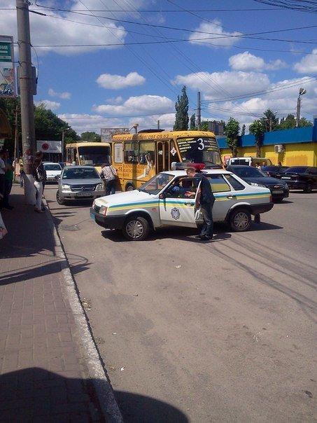 В Кировограде произошло ДТП между иномаркой и маршруткой. ФОТО (фото) - фото 1