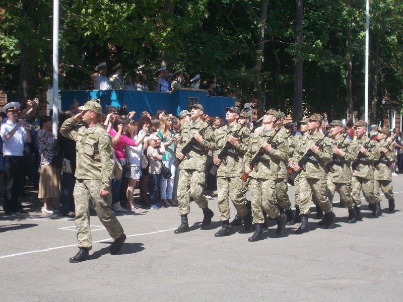 Новоиспеченные николаевские моряки присягнули на верность Украине (ФОТО) (фото) - фото 2