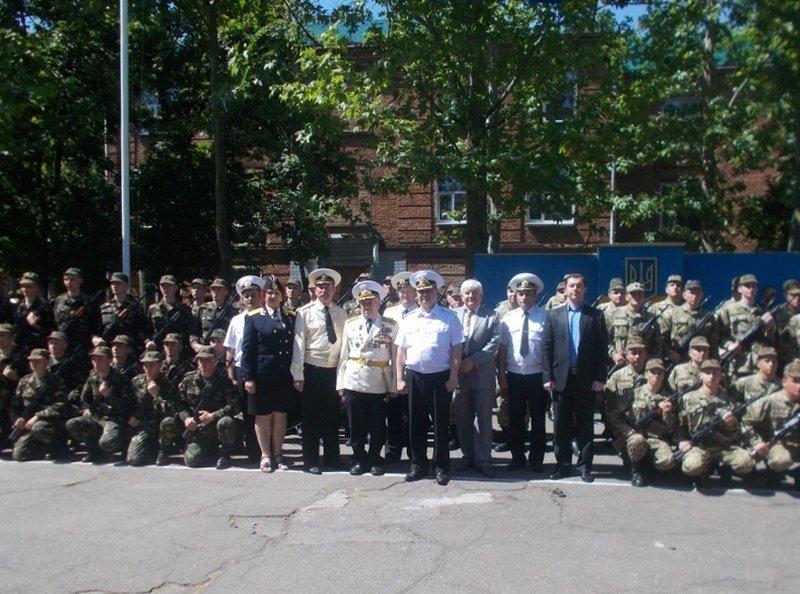 Новоиспеченные николаевские моряки присягнули на верность Украине (ФОТО) (фото) - фото 3