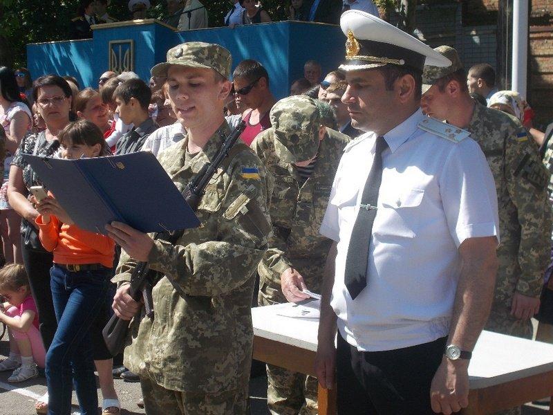 Новоиспеченные николаевские моряки присягнули на верность Украине (ФОТО) (фото) - фото 1