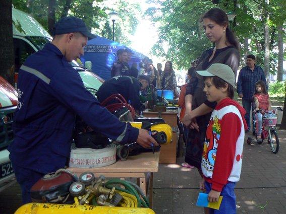 Діти спробували себе у ролі рятувальників (ФОТО) (фото) - фото 6