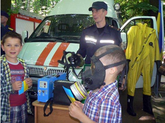 Діти спробували себе у ролі рятувальників (ФОТО) (фото) - фото 7