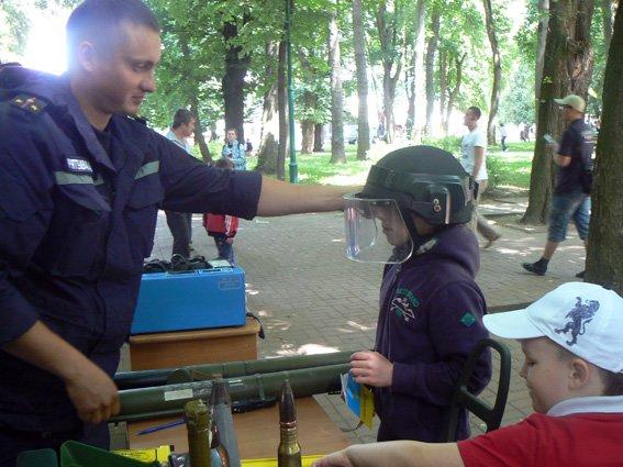 Діти спробували себе у ролі рятувальників (ФОТО) (фото) - фото 5